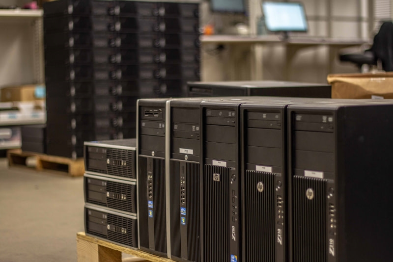 stack-desktops-warehouse